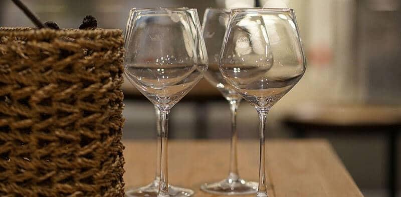 Lựa chọn ly, cốc thủy tinh Ocean sao cho đẹp, an toàn, lâu bền?