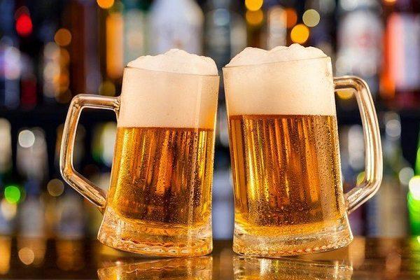 Nên lựa chọn ly thủy tinh uống bia của hãng nào là tốt nhất?